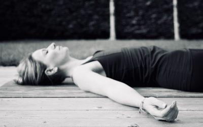 De stappen van Yoga Nidra op een rij